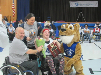 Student receives award.